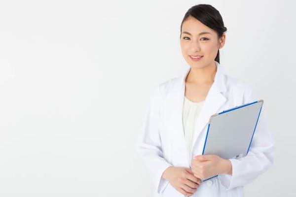 女性医師の半数以上が転職で公私を充実させた秘訣とは?